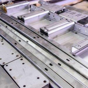 lavorazione-lamiera-piegatura-steelprojetc-modena-vignola